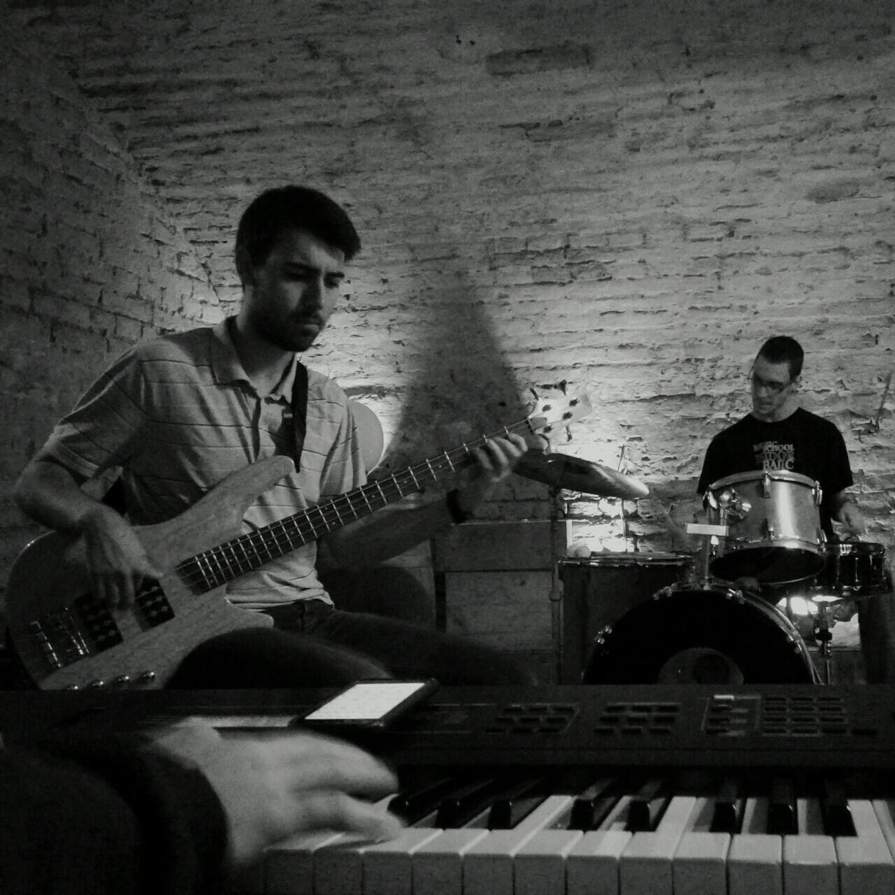 David Gegić bass gitara